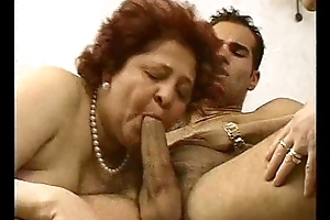 2 Grandmas Rate a Hunk and his cock.