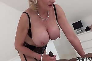 Cheating british of age lady sonia presents her heavy bowels