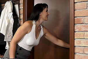 21Sextreme He Seduced His GILF Teacher Into Destroying Her Pussy