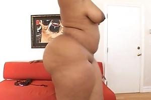 Heavyweight Honeys-Bootylicious