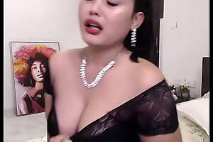 Indian Hot cam girl enjoying her impersonate (english)