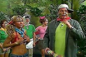 Aylin Mujica Mexican TV Play the host Oops Nipslip!