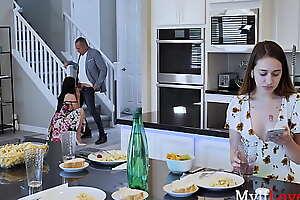 MILF Mom Fucks Daughter's Old Boyfriend- Looking-glass Rush