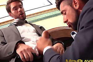 Hot classy hunk Massimo Piano deepthroats big rock hard cock