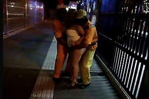 Loucuras na noite de São Paulo, ela pegou até os garis no meio da avenida paulista. ( (( Completo no xvideos red )))