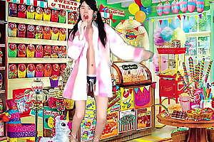 Lollipop Licker cash reserves Alexandria Wu