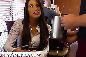 Cross America - Kortney Kane gets fucked unconnected with a complete stranger
