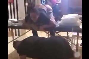 Tatuando o cuzinho da Anitta