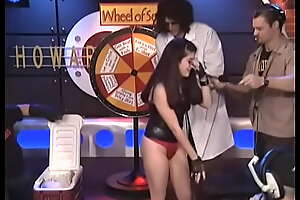 Marilyn Manson cleans young 23 domain olds fans ass after she loses gamble relating to contest.