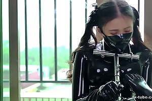 [fx-tube com] Cute latex cooky metal bondage increased by aircontral