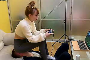 Gamer Girl Kira in Grey Leggings Uses Say no to Chairperson Slave To the fullest extent a finally Playing Not later than Fullweight Facesitting (Preview)