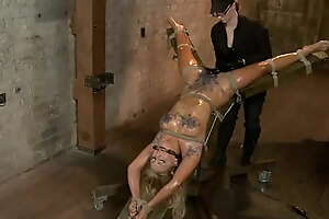 Waxed and limits auntie on hogtie