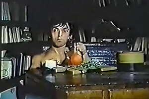 Nano erotico (1982). Scene 6. Nadine Roussial, Petit Loup