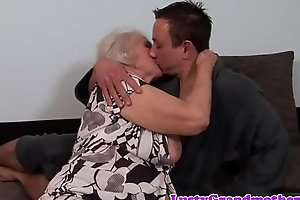 Beamy granny acquires their way aggravation rimmed and fucked