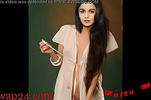 Alia Bhatt bollywood Teat coupled with breast (sexwap24.com)