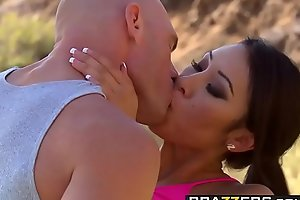 Brazzers - Heavy Tits In Sports - Jayden Lee added to Johnny Sins - Capture house-servant around with annoy Vag
