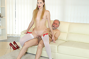 Pa uses his famous sex experience to satisfy a fresh and very hungry hottie. He gives her hundreds of anal pleasures beyond the couch.