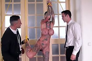 Short-haired skank with outstanding dissimulate tits gets duplication fucked