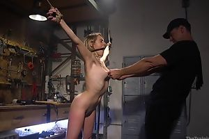 Frolic sub not far from natural boobs gets approximately fucked by the brush master