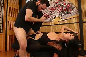 Bodacious Japanese lady in stockings gets roughly fucked