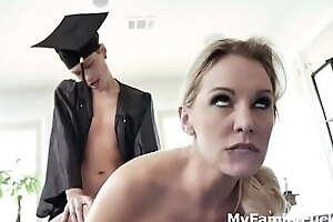 Graduated Stepson gets Endowment Fuck Foreigner Mom
