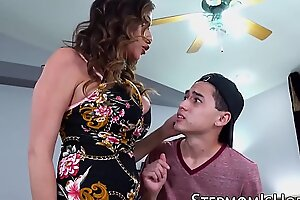 Cockhungry Ariella Ferrera penetrated by stepson