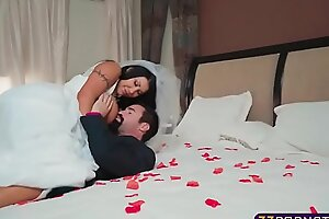 Busty bride acquires fucked hard apart from her give someone a thrashing on wedding subfusc