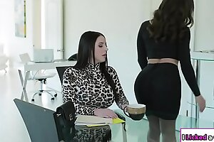 Lesbian kingpin irritant fucked by the brush agony aunt