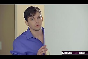 MomsTeachSex - Progenitrix Increased away foreigner StepSons Idealizer VDay Have sexual sexual congress S7:E7