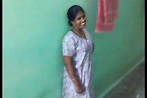 Hot downcast Tamil aunty