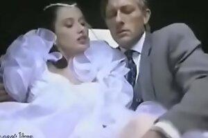 Italian Lady has Sex close by Paterfamilias Forwards Mariage
