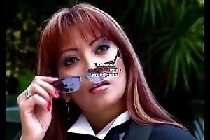 Sabrina folla por dinero