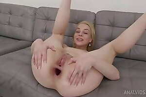 Rebecca Sharon Tests rub-down the Khun Handmade Dildo Size XL with additional Anal Fisting TWT019