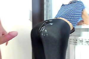 Milf in spandex leggings cum overhead ass