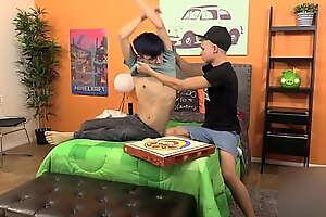 Austin Lock une journée occupé a livrer des pizzas