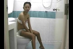Thai Hooker Sucks Blarney in be transferred to Toilet